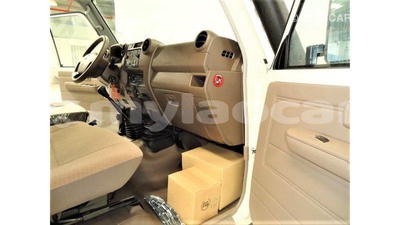 Big with watermark toyota land cruiser attapeu province import dubai 4076